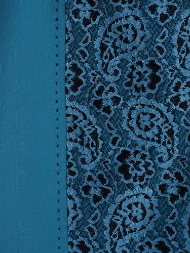 Sukienka wyszczuplająca Klementyna II, wizytowa kreacja z ozdobną wstawką z koronki.