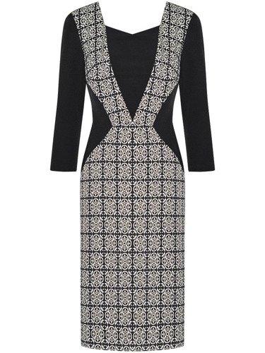 Sukienka wyszczuplająca Remigia, elegancka kreacja z tkaniny żakardowej.