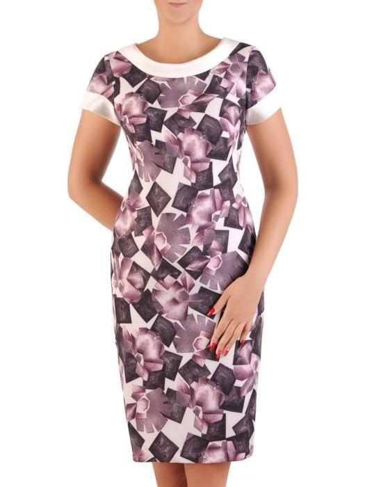 Sukienka wyszczuplająca, prosta kreacja w geometrycznym wzorze 21285.