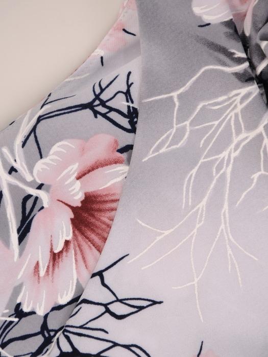 Sukienka z dzianiny, prosta kreacja w kwiaty 21201.