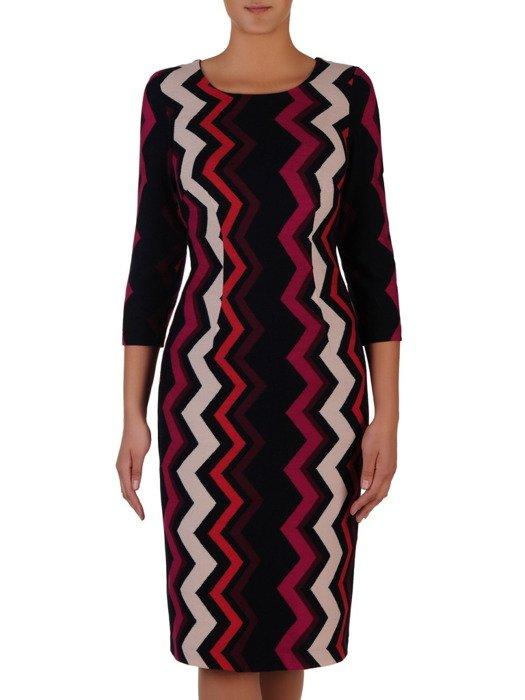 Sukienka z kominem Krystyna X, jesienna kreacja w geometrycznym wzorze.