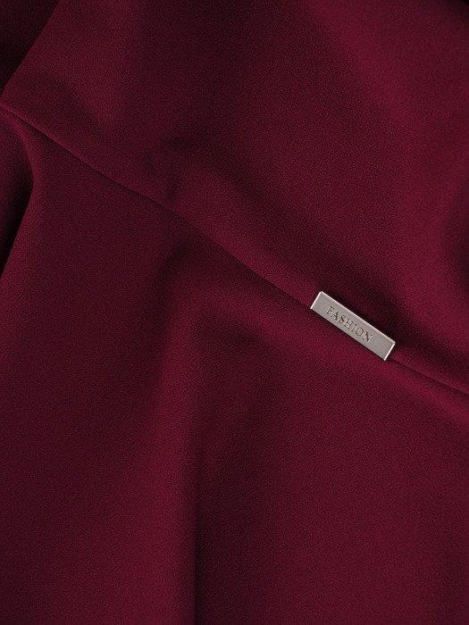 Sukienka z ozdobnymi kółkami, modna kreacja w kolorze fioletowym 23225