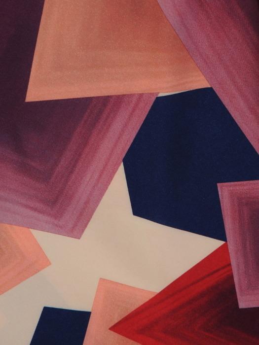 Sukienka z tkaniny, rozkloszowana kreacja w geometrycznym wzorze 21295.