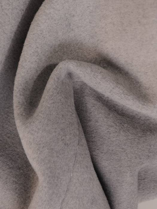 Szary płaszcz damski z regulującym talię wiązanym paskiem 27794