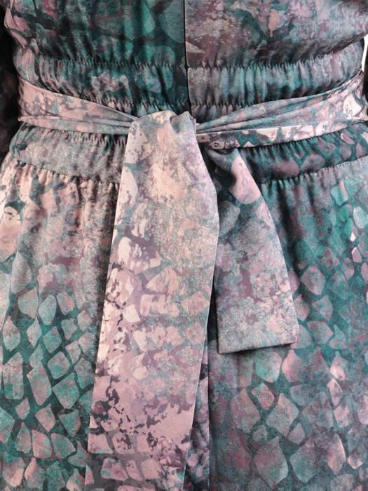 Wieczorowa sukienka maksi, kreacja z kopertowym dekoltem 30827