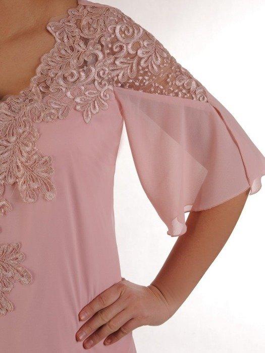 Wieczorowa trapezowa sukienka wykończona modną koronką 25169