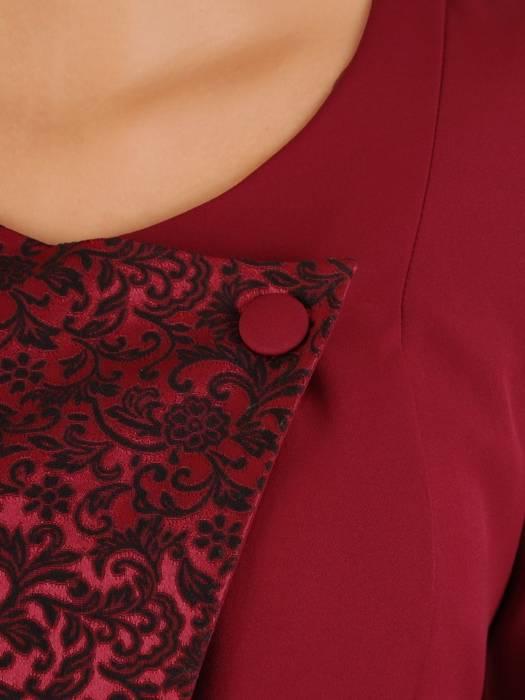 Wyszczuplająca sukienka, kreacja z kontrastową wstawką 27430