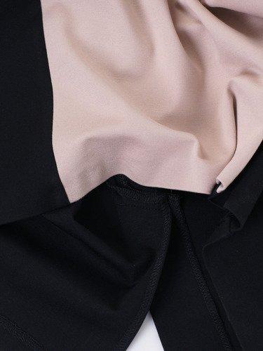 Wyszczuplająca sukienka z broszką 14701, dwukolorowa kreacja na wiosnę.