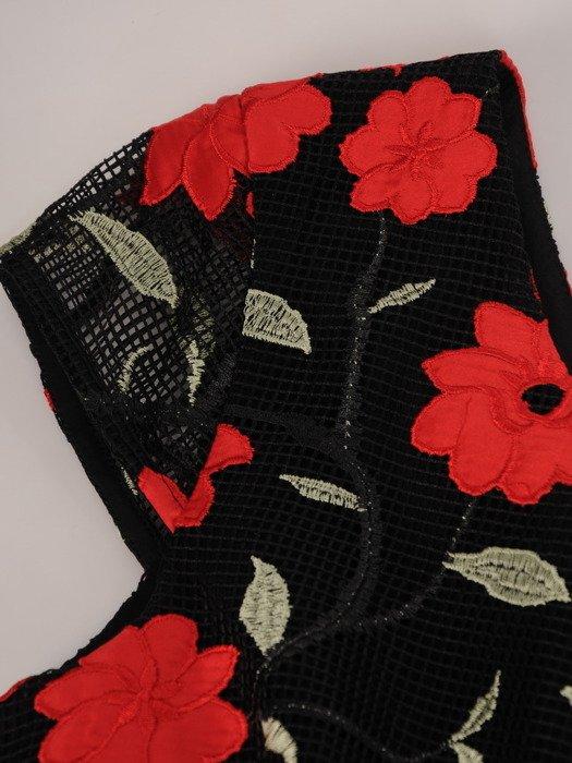 Wzorzysta sukienka z modnym wykończeniem na plecach 17197.