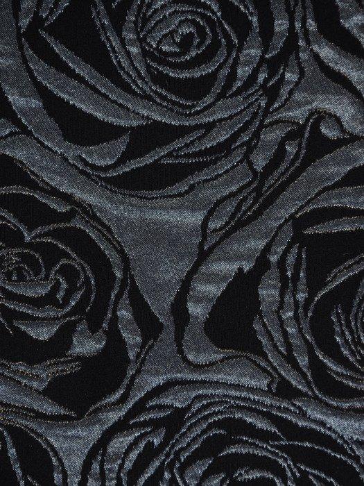 Żakardowa sukienka z półgolfem 17741, elegancka kreacja w wytłaczane róże.