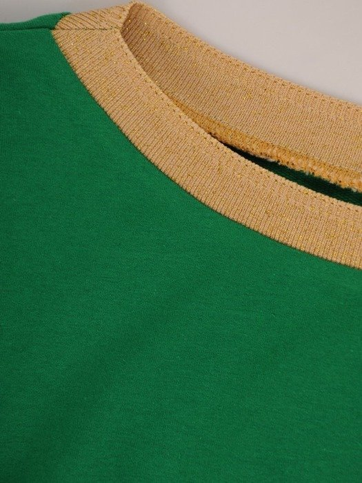 Zielona sukienka z modną aplikacją i kieszeniami 25742