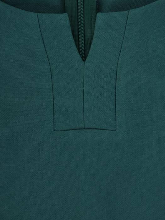 Zielona sukienka z modnym dekoltem, nowoczesna kreacja wizytowa 26834
