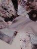 Kwiatowa sukienka z rozcinanymi rękawami, kreacja z łączonych materiałów 24568