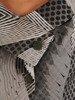 Sukienka z imitacją żakietu, prosta kreacja z ozdobnym kołnierzem 23161