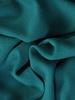 Szmaragdowa sukienka ozdobiona falbanką na ramieniu 31080