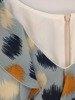 Szyfonowa sukienka o trapezowym kroju, kreacja z oryginalnym dekoltem 25040