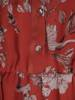 Szyfonowa sukienka z guzikami przy dekolcie w kwiaty 27293
