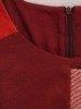 Wyszczuplająca sukienka z dzianiny, kreacja w modną kratę 23722